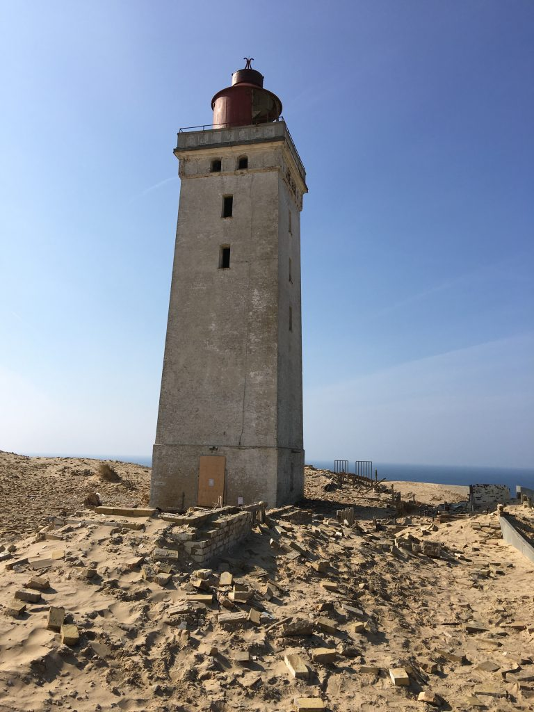 The battlefield in front of the lighthouse.